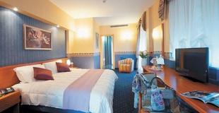 Camere superior ele green park hotel pamphili roma, italia