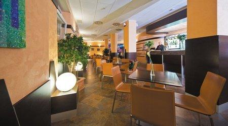 Coffee-bar ele green park hotel pamphili roma, italia