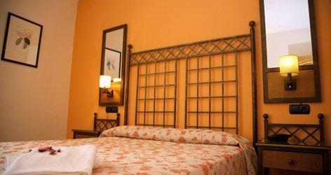 HabitaciÓn triple hotel ele santa bárbara sevilla
