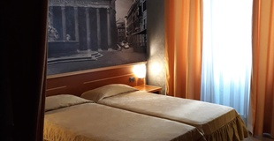 Camera base ele green park hotel pamphili roma, italia