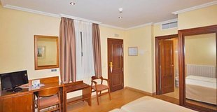 Standard single room hotel ele acueducto segovia