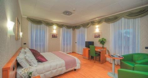 Camere deluxe ele green park hotel pamphili roma, italia
