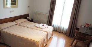 Superior double room with balcony hotel ele acueducto segovia